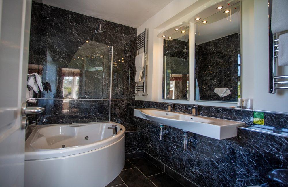 Jaccuzi bath